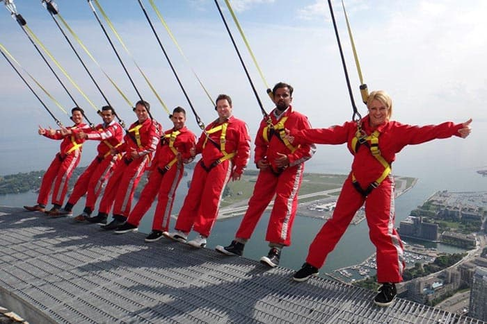 7 people on the CN Tower